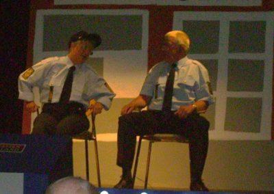 Revy 2010 - Anne & Arne som betjente